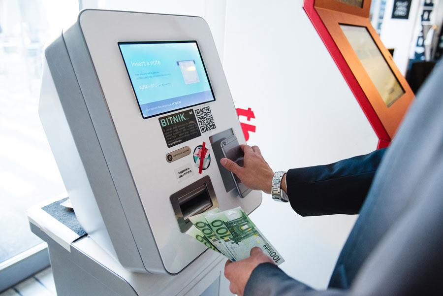 Primeros cajeros de Bitcoin